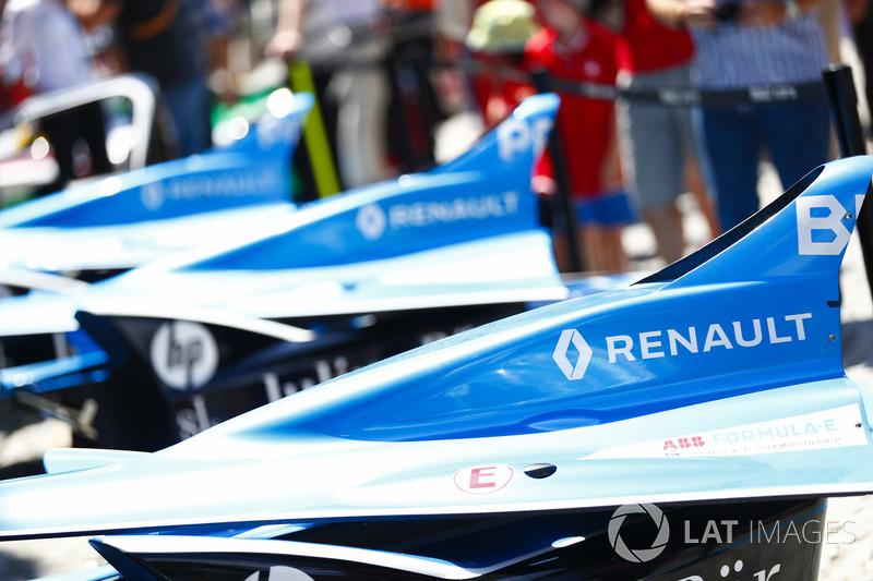 Engine covers of Sébastien Buemi, Renault e.Dams, Nicolas Prost, Renault e.Dams