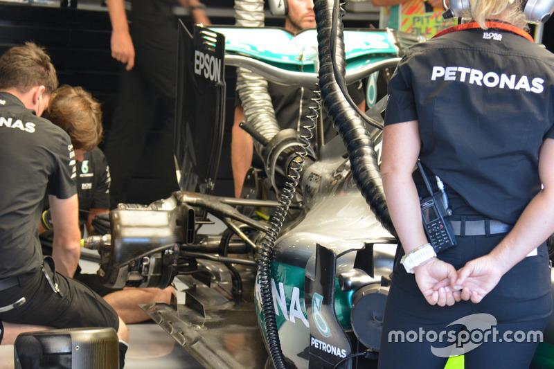 Mercedes AMG F1 W07 Hybrid: Heckflügel