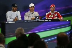 winner Nico Rosberg, Mercedes AMG F1 Team, second place Lewis Hamilton, Mercedes AMG F1 Team, third place Sebastian Vettel, Ferrari in the press conference