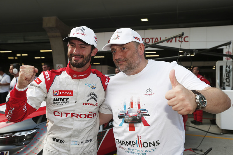 Polesitter Jose Maria Lopez, Citroën C-Elysée WTCC, Citroën World Touring Car Team; Yves Matton, Rennleiter, Citroen Racing