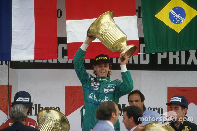 Podium : le vainqueur Gerhard Berger, Benetton