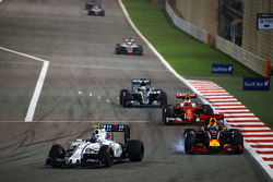 Valtteri Bottas, Williams FW38 und Daniel Ricciardo, Red Bull Racing RB12