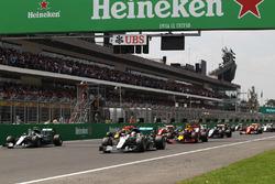 Lewis Hamilton, Mercedes AMG F1 W07 Hybrid líder