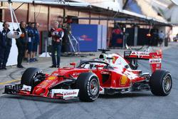 Себастьян Феттель, Ferrari SF16-H тестирует закрытый кокпит