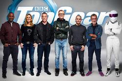 De presentatoren van Top Gear: Rory Reid, Sabine Schmitz,  Matt LeBlanc, Chris Evans, Chris Harris, Eddie Jordan en The Stig