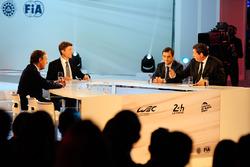 Präsident der FIA Endurance Commission Lindsay Owen-Jones, Moderator Bruno Vandestick, ACO Präsident