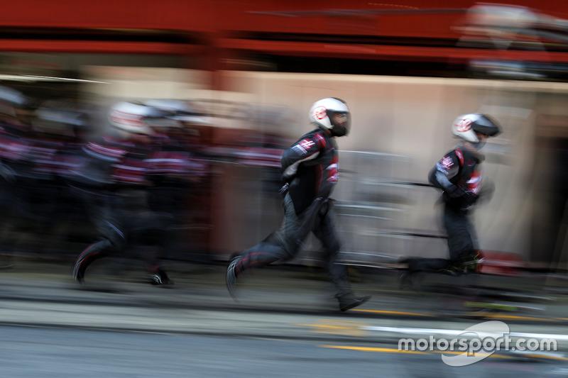 Haas F1 Team en pit stop