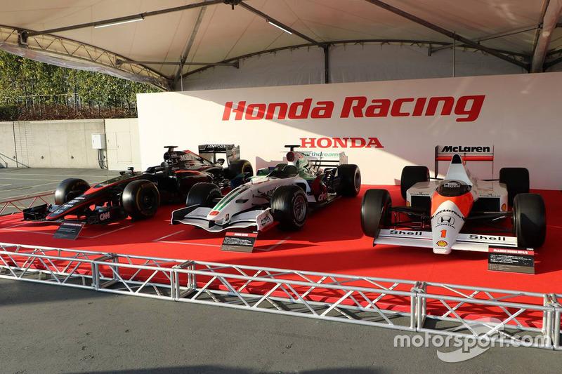 McLaren Honda MP4-30, Honda RA108 и McLaren Honda MP4/5 Айртона Сенны