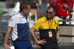 Steve Nielson, Williams F1 Sporting Manager and Alan Permane, Renault Sport F1 Team Race Engineer