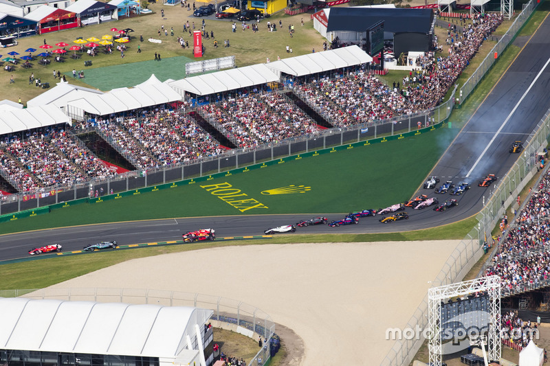 Sebastian Vettel, Ferrari, SF70H; Valtteri Bottas, Mercedes AMG F1, W08; Kimi Räikkönen; Ferrari, SF
