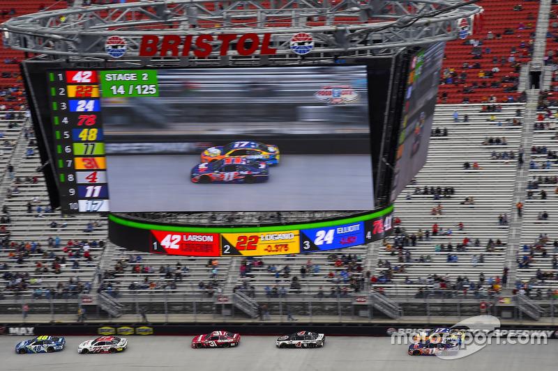 7. Jimmie Johnson, Hendrick Motorsports Chevrolet, Erik Jones, Furniture Row Racing Toyota