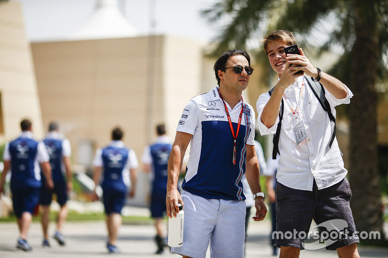 Felipe Massa, Williams, mit einem Fan