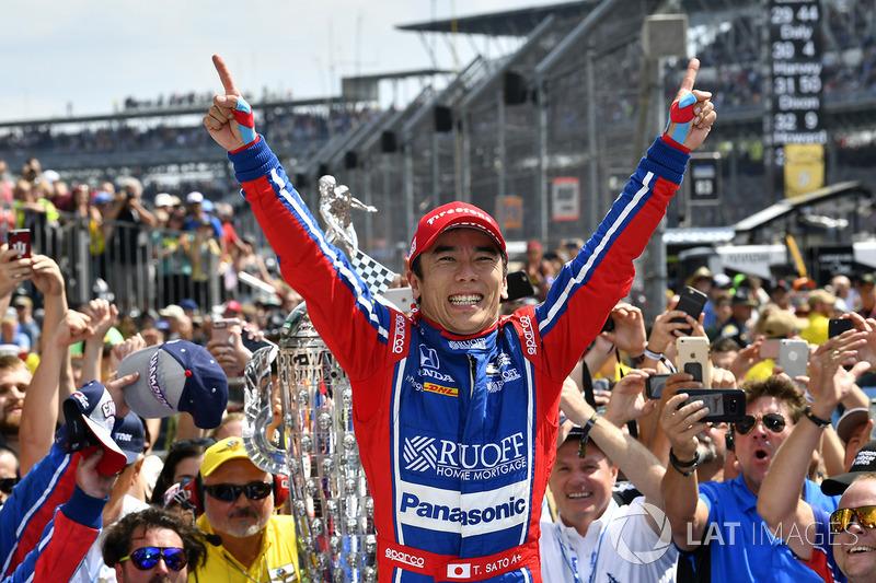 Takuma Sato, Andretti Autosport Honda celebra en Victory Lane