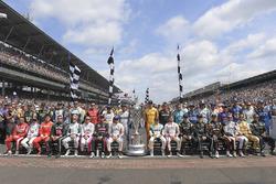 Gruppenfoto: Alle 33 Fahrer beim 101. Indy 500 am 28. Mai 2017