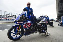 Motor van Alex Lowes, Pata Yamaha