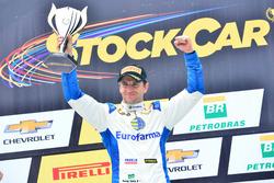 Daniel Serra comemora vitória da corrida 1 em Goiânia
