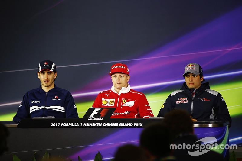 Antonio Giovinazzi, Sauber, Kimi Raikkonen, Ferrari, Carlos Sainz Jr., Scuderia Toro Rosso