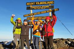 Ivan Jacoma e la moglie sulla vetta del Kilimangiaro