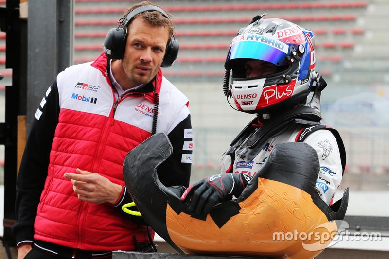 Alex Wurz, Nicolas Lapierre, Toyota Gazoo Racing