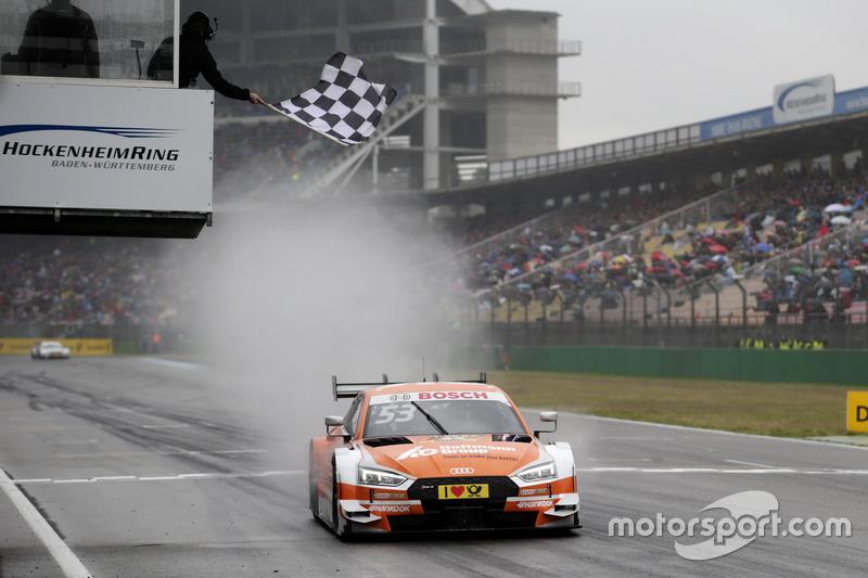 Checkered flag for Jamie Green, Audi Sport Team Rosberg