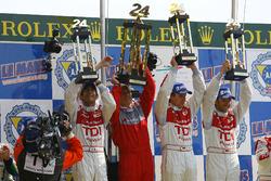 Podium: Race winners Emanuele Pirro, Dr. Wolfgang Ulrich, Head of Audi Sport, Frank Biela and Marco Werner, Audi Sport Team Joest