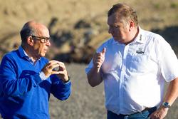 Кармело Еспелета, генеральний директор Dorna Sports, та Тімо Похйола, керівник проекту Кімі Ринг