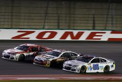 Dale Earnhardt Jr., Hendrick Motorsports Chevrolet, Clint Bowyer, Stewart-Haas Racing Ford, Kyle Larson, Chip Ganassi Racing Chevrolet