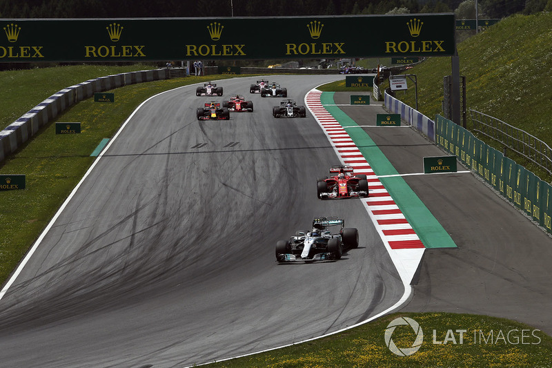 Valtteri Bottas, Mercedes AMG F1 F1 W08  leads at the start of the race