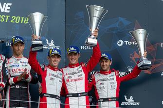 Podio: al terzo posto #3 Rebellion Racing Rebellion R-13: Mathias Beche, Gustavo Menezes, Thomas Laurent