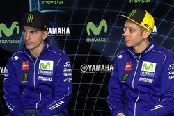 Гонщики Yamaha Factory Racing Валентино Росси и Маверик Виньялес
