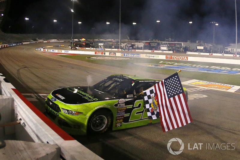 Ganador de la carrera Brad Keselowski, Team Penske Ford
