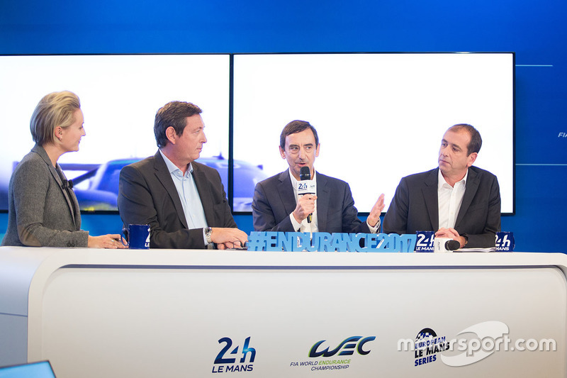 Gerard Neveu, CEO de WEC, Pierre Fillon, Presidente de ACO con Vincent Beaumesnil, ACO Director deportivo