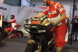 Jorge Lorenzo, Ducati Team, con la nuova carena