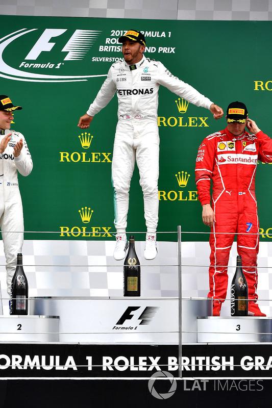 Podium: race winner Lewis Hamilton, Mercedes AMG F1, second place Valtteri Bottas, Mercedes AMG F1,