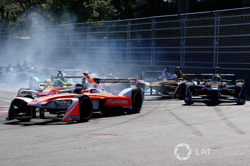Nick Heidfeld, Mahindra Racing, Stéphane Sarrazin, Techeetah spin atıyor