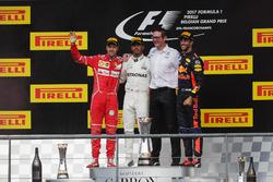 Sebastian Vettel, Ferrari, Lewis Hamilton, Mercedes AMG F1, Andrew Shovlin, Chefingenieur, Mercedes AMG F1, Daniel Ricciardo, Red Bull Racing
