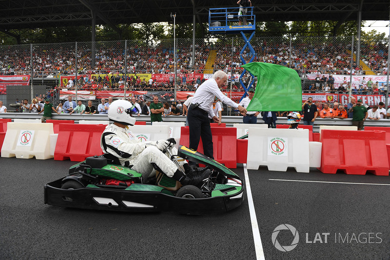 Karting and green flag