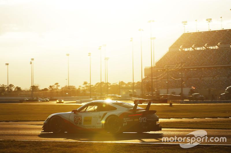 #912 Porsche Team North America Porsche 911 RSR: Kevin Estre, Laurens Vanthoor, Richard Lietz