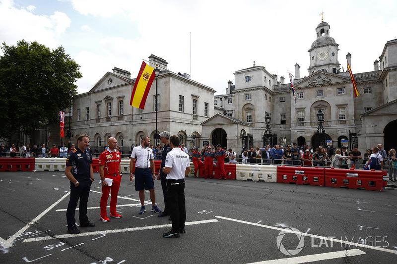 Christian Horner, Red-Bull-Teamchef; Jock Clear, Ferrari-Technikchef