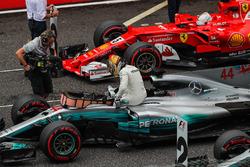 El poleman Lewis Hamilton, Mercedes AMG F1, celebrando en parc ferme