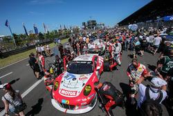 №31 Frikadelli Racing Team, Porsche 991 GT3-R: Микаэль Кристенсен, Лукас Лур, Клаус Бахлер, Норберт Зидлер