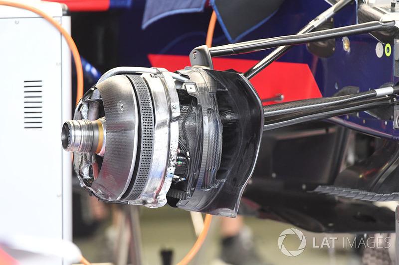 Кріплення переднього колеса Scuderia Toro Rosso STR12