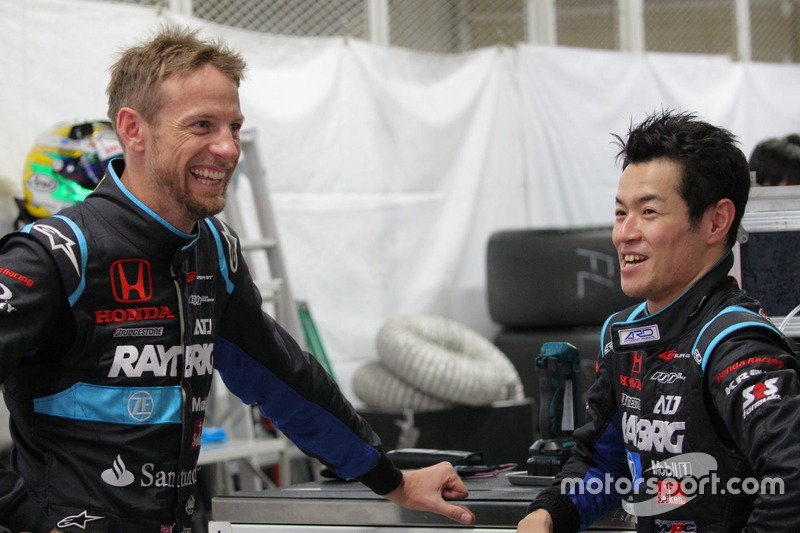 Jenson Button dan Naoki Yamamoto, Team Kunimitsu