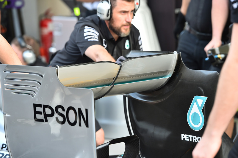 Заднє антикрило Mercedes AMG F1 W06