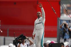 Lewis Hamilton, Mercedes AMG F1, celebra su triunfo