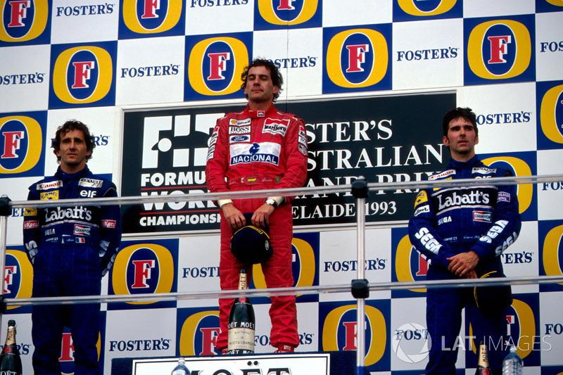 Podio: il secondo classificato Alain Prost, Williams, il vincitore della gara Ayrton Senna, McLaren,