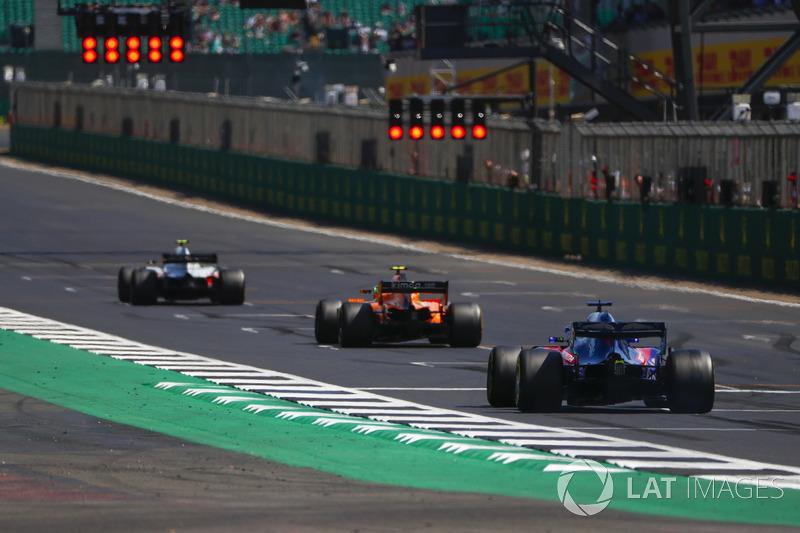 Кевін Магнуссен, Haas F1 Team VF-18, Стоффель Вандорн, McLaren MCL33, Брендон Хартлі, Toro Rosso STR13