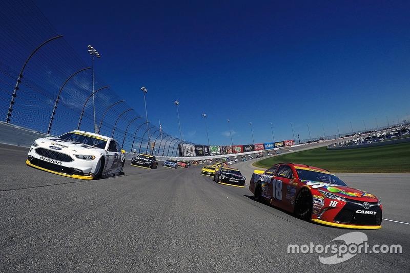 Start: Kyle Busch, Joe Gibbs Racing, Toyota, führt