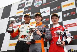 Podium: race winner Matheus Leist, Double R Racing, second place Harrison Scott, HHC Motorsport, third place Ben Hingeley, HHC Motorsport