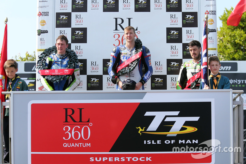 Podium: 1. Ian Hutchinson; 2. Dean Harrison; 3. James Hillier